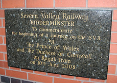 Kidderminster Town Railway Station Royal Train Commemorative Plaque (Stuart Axe) Tags: highley hamptonloade shropshire svr arley bridgnorth railway kidderminster uk england severnvalleyrailway gwr greatwesternrailway bewdley unitedkingdom gb greatbritain sign plaque steam railways train trains worcestershire kidderminstertownstation commemorativeplaque royaltrain