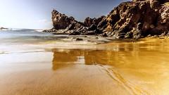 Am Papagayo Strand/Lanzarote (petra.foto busy busy busy) Tags: urlaub holiday lanzarote insel spanien espania fotopetra canon 5dmarkiii strand papagayo spiegelung playablanca