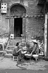 Food sellers (pacco_racco) Tags: market sellers women sitting wall texture urban cityside hanoi vietnam leicasummicron35mmf20asph leicam6 kodaktrix400