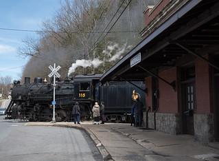 CNJ 115 Waits to Depart Minersville