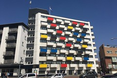 Bilderberg hotel Scheveningen (Hans Westerink) Tags: mondriaan stijl 100 bilderberg scheveningen painting blue red yellow white iphone denhaag hanswesterink black painter designer zwart rood geel wit blauw primair primary colors honour