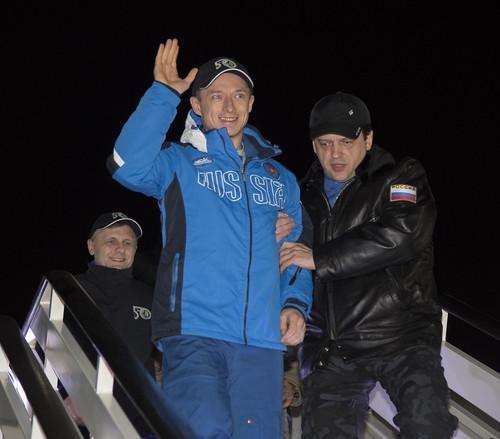 Expedition 50 Soyuz MS-02 Landing (NHQ201704110001)