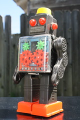 Engine Robot (Horikawa 1964) (Donald Deveau) Tags: horikawa japanesetoy robot sciencefiction batteryoperated toys vintagetoy gears enginerobot