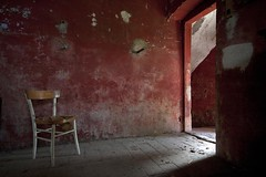 Que viva Mexico! / Abandoned farmhouse (Cristianella) Tags: abandoned farmhouse casa colonica abbandonata stalla sedia chair red rosso stable