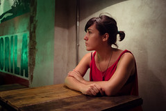 (thisisforlovers) Tags: madrid red portrait girl wall bar night table pared noche rojo pub fuji chica retrato fujifilm mesa redshirt x100 camisetaroja fujifilmx100