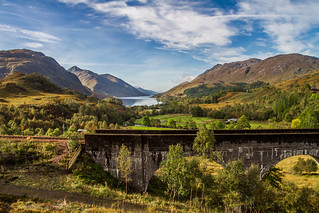 Glenfinnan viaduct and the jacobite steamtrain