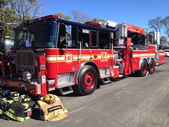 Third District Volunteer Fire Company Tower Ladder 14 (Triborough) Tags: tower philadelphia pennsylvania firetruck pa fireengine ladder seagrave towerladder philadelphiacounty ladder14 towerladder14 tdvfd thirddistrictvolunteerfirecompany