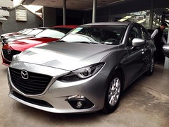 Mazda 3 - Santiago, Chile (RiveraNotario) Tags: chile santiago cars autos mazda mazda3 carspotting マツダ carspottingsantiago