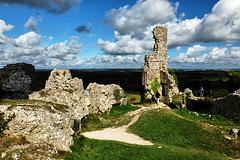 Corfe Castle, Dorset (lincoln_eye) Tags: uk greatbritain autumn england people grass stone clouds countryside europe view unitedkingdom ruin eu sunny bluesky september ramparts dorset gb walls corfecastle 2014 isleofpurbeck