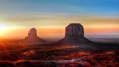 Sunrise - Monument Valley - Utah/Arizona (Suzanham) Tags: arizona utah coloradoplateau buttes navajotribalpark desert sunrise landscape monumentvalley panasonic