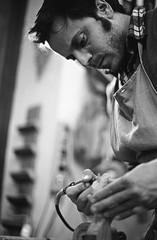 Pietro Paroletti - Woodworker (Federico Pitto) Tags: bw genova nikonfe2 nikkor35mm28 d76 trix