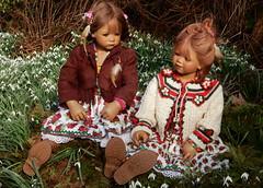 Milina und Tivi ... (Kindergartenkinder) Tags: kindergartenkinder annette himstedt dolls tivi grugapark essen gruga frühling milina blumen personen kind