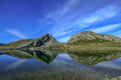 Lagos de Covadonga (Juan R. Ruiz) Tags: lago lake lagosdecovadonga covadonga lagoenol lakeenol picosdeeuropa mountains montañas nature naruraleza asturias españa spain europe europa canon canoneos60d canoneos eos60d allnaturesparadise