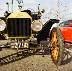 OHIO 1916 (GmanViz) Tags: gmanviz color car automobile detail 1916 ford modelt touring radiator brass headlights crank fender wheel film analog 120 6x6 mediumformat hasselblad 500cm zeissdistagon50mmf4 lomography100