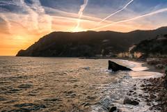 Monterosso en fin de journée(Cinque Terre - Italie) (Julien Bukowski) Tags: 5terres cinqterres cinqueterre coucherdesoleil eau europa europe goldenhour heuredorée hiver it ita italie italy landscape ligurie mer montagne monterosso monterossoalmare mountain nikond800 paysage sea sunshine water winter