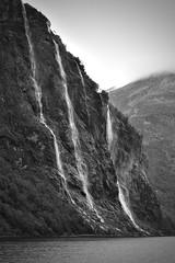 Et par søstre (Christian von Schack) Tags: desyvsøstre geiranger norge norway fjord foss fossefall natur nature waterfall darktable