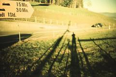 15 Min. 30 Min. (Markus Moning) Tags: gais appenzellausserrhoden schweiz ch markusmoning moning lomo lca lc lomography 35mm film analog xpro cross processing process expired kodak ektachrome 200 processed stoss switzerland wegweiser sign direction shadow shadows schatten 15 min 30