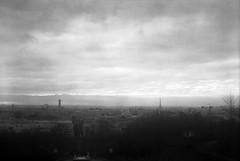 Paris (Etienne Despois) Tags: blackandwhite bw paris kodak belleville brownie beau blackwhitephotos