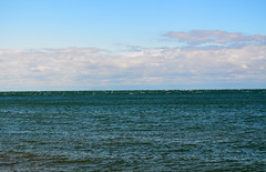 Toronto Waaaaay In The Distance [Niagara-On-The-Lake - 13 August 2014] (Doc. Ing.) Tags: blue summer lake ontario canada water northamerica lakeontario niagaraonthelake on 2014 colonialstyle britishcolony
