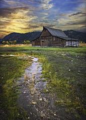grand teton national park - fall sunset - moulton barn (Dan Anderson.) Tags: sunset usa fall barn nationalpark icon her historic western homestead wyoming teton iconic jacksonhole moulton grandtetonnationalpark mormonrow antelopeflats johnmoulton tamoulton