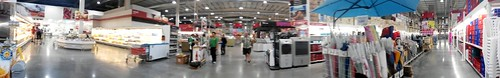 On the way back, from Hua Hin to Huai Khwang, we got to Makro! This place is humongous - HoCaRe concept. Supplies for Hotels, Caterers and Restaurants.