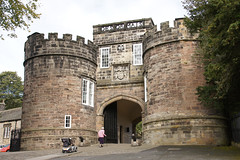 Skipton Castle (Neil Pulling) Tags: uk england castle yorkshire entrance keep fortress northyorkshire pennines skipton castlegate skiptoncastle