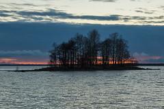 After Sunset - Joensuu (Sami Niemeläinen (instagram: santtujns)) Tags: sunset lake beach nature suomi finland finnland autumm finlandia joensuu syksy luonto ranta järvi auringonlasku karjala pyhäselkä kuhasalo pohjois
