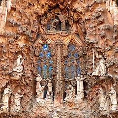 Termple de la Sagrada Familia 14 - La obra inacabada de Gaud (de Paula FJ) Tags: barcelona espanha modernismo catalo arquiteto antonigaud barcelonacitytour nikkor1685mm nikond7000 termpledelasagradafamilia laobrainacabadadeantonigaud