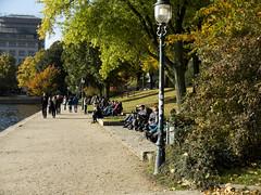 Urban. Street.. Hamburg. An der Alster. (fipixx) Tags: road street people urban living outdoor strasse hamburg streetscene environment leisure everyday humans strassenszene alltag gesellschaft strassen strassenleben urbanarte lebenswelt