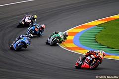 Carrera MotoGP, persiguiendo a Espargaro