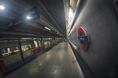 Waterloo Perspective (www.javierayala-photography.com) Tags: inglaterra england london train underground tube perspective waterloo londres londontube waterloostation