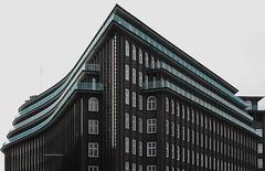 Chilehaus (Hamburg Kontorhausviertel) (fotoeins) Tags: travel canon germany deutschland eos europa europe hamburg unesco worldheritage xsi hansestadt chilehaus canonef50mmf14usm kontorhausviertel eos450d henrylee 450d fotoeins henrylflee fotoeinscom