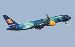B752 Icelandair (matgawron) Tags: egcc b757 757 boeing off v1 v2 man manchester spotting avgeek spotter plane samolot airport