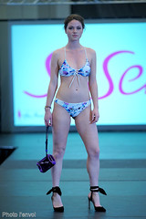 Salon national de la femme (photolenvol) Tags: femme seisen palaisdescongres salondelafemme mode defile fashionshow runway