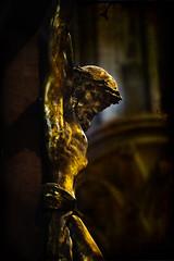 La Cathédrale Notre-Dame de Rouen (Air'L) Tags: christ chrétien sculpture croix cathédrale or église statue rouen eu europe france normandie