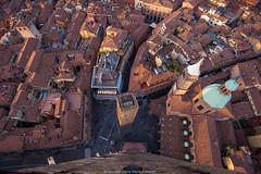 Torre degli Asinelli (angelocesta) Tags: bologna emilia emiliaromagna nikon foto città torre torri degli asinelli panorama