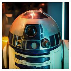 R2-D2 (Gretsch*) Tags: london londres angleterre england leicam240 leicasummicron35mmf20asph starwars starwarsidentitiesexhibition o2london leicamptyp240