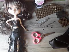 Tutorial para cinturón con ojetes (Lunalila1) Tags: doll pullip groove junplaning manualidades tutorial ojetes ojales ullets hanmade tools herramientas 16 scale cinturón diy eyelets eyelet