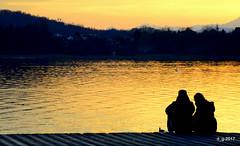 Romantico DSC_0917 (papamillo) Tags: gavirate varese italy papamillo nikond5300 nikkor18140 lagodivarese lago lake tramonti tramonto sunset allaperto allimbrunire pontile romantico 浪漫 romantic