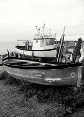 B&N (lucianoserra490) Tags: maredinverno biancoenero barche pescatori