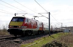 91124 through Barkston (Andrew Edkins) Tags: march locomotive track ecml 91124 virgintrains barkston eastcoastmainline railwayphotography class91 electriclocomotive travel trip passengerservice commuter light canon geotagged overheadwires lincolnshire england uk spring 2017
