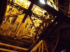 Eiffelturm (schremser) Tags: frankreich paris eiffelturm toureiffel turm gerüst stahl