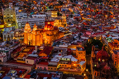 Guanajuato Centro (albertocc311) Tags: mexico nightshot spring 2017 red art travel guanajuato yellow colorful mexican church vacation tourism holiday downtown
