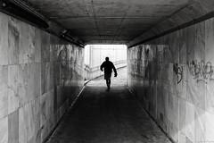 Tunel subterraneo L´Arena Gijón (Luis DLF) Tags: laarena barrio blancoynegro contraluz pared baldosas granito gijón persona playa paseo subterraneo españa asturias