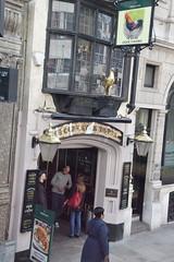 DSC_4775 London Bus Route #76 City of London Fleet Street Ye Olde Cock Tavern 1549 English Pub (photographer695) Tags: london bus route 76 city fleet street ye olde cock tavern 1549 english pub