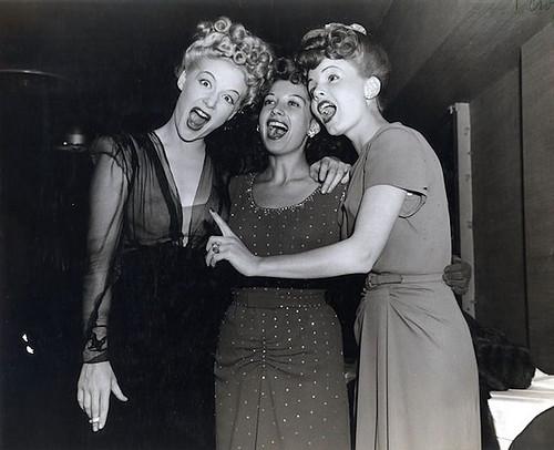 We three scream.