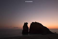 Tramonti alle 5 Terre (APINTUS) Tags: silhouette tramonto inverno monterosso 5 terre rocce sabbia lunga canon esposizione 70d 2470 liguria italia laspezia