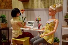 Edina & Minka Conversing (Girl Least Likely To) Tags: momoko closeclippedsheep sekiguchi ccs asianfashiondolls japanesetoys dolls toys miniatures dollhouse dollscene dollroom diorama ccs16an goforvictory fanvote2006