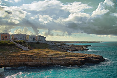 Polignano a mare (Roberto Valt) Tags: street italien sea toby summer sky italy panorama paisajes beach nature water clouds canon de landscape photography eos landscapes photo still italian rocks italia nuvole mare estate paintings grain culture natura paisaje photograph cielo scenario kanon ba montaña rocce landschaft paesaggi salento puglia spiaggia bari paesaggio adriatic landschaften adriatico scogliera italianos celluloid apulia filmphotography polignano пейзаж polignanoamare пейзажи канон italienische tumblr berglandschaft горный итальянский canon7d италии tobyharvard
