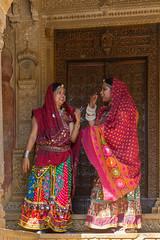 Rajasthani ladies (karina robin travel photography) Tags: ladies woman oktober india color beautiful robin lady women asia portrt oriental indien jaisalmer karina rajasthan 2014